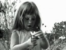 دختری با گل آفتاب گردان در تبلیغ انتخاباتی لیندون جانسون 1964
